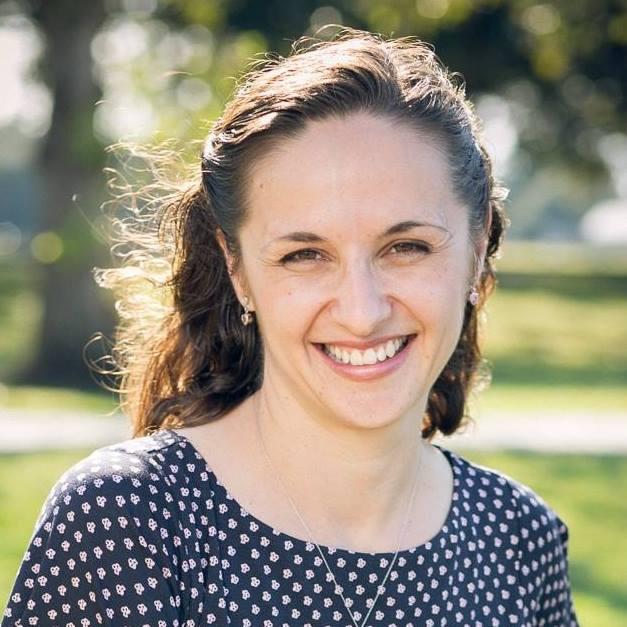 Elena Mutonono headshot